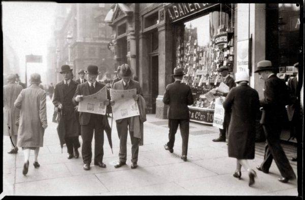 Foto: Karl Delius: Straßenszene in London 1932